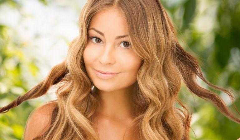 Emollienti, Umettanti e Proteine: la miglior cura per i tuoi capelli