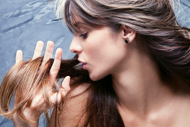 Come evitare di danneggiare i capelli nella cura quotidiana